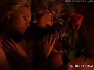 Tagy: blondýny malé prsia sex v sklade tvrdé prirážanie.